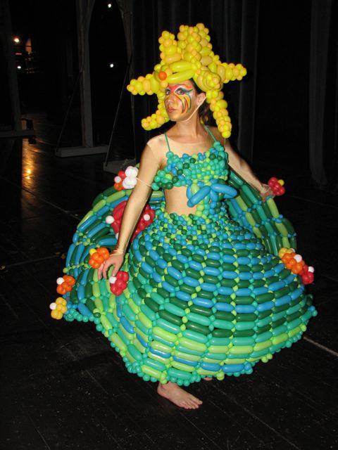 balloon-dress-5.jpg